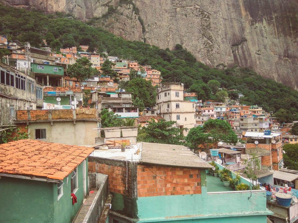 rio itinerary - favela