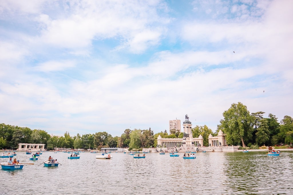 madrid travel tips - El Retiro park