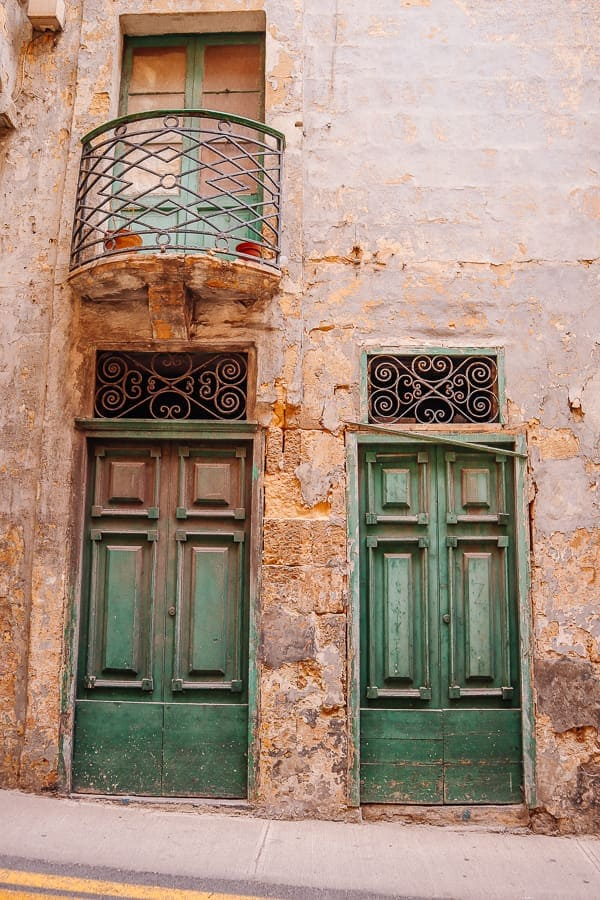 What to see in Malta in 3 days - doors in Valletta
