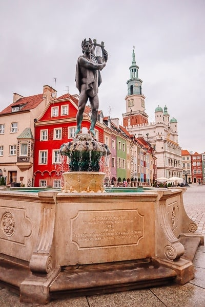 Is poznan worth visiting - old town square