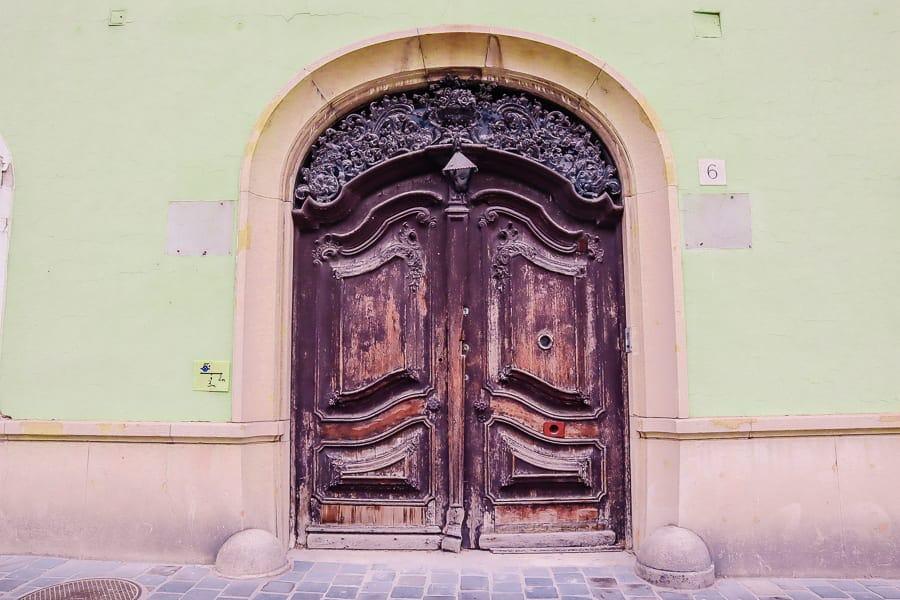 budapest city photos - old door