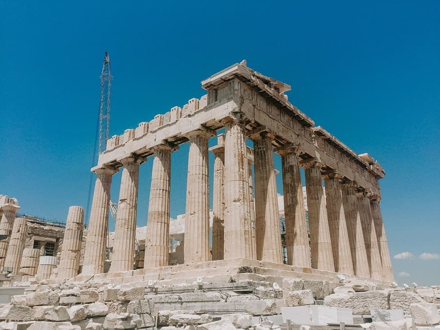 Best novels about Greece - the Acropolis